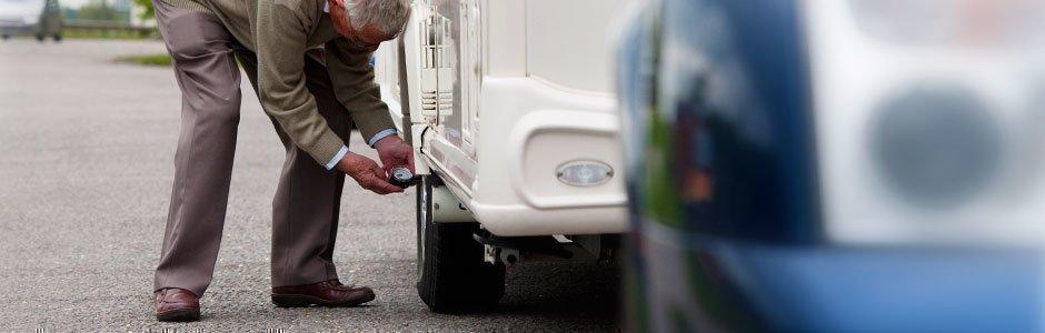 pneus caravane comment choisir et changer ses pneus. Black Bedroom Furniture Sets. Home Design Ideas